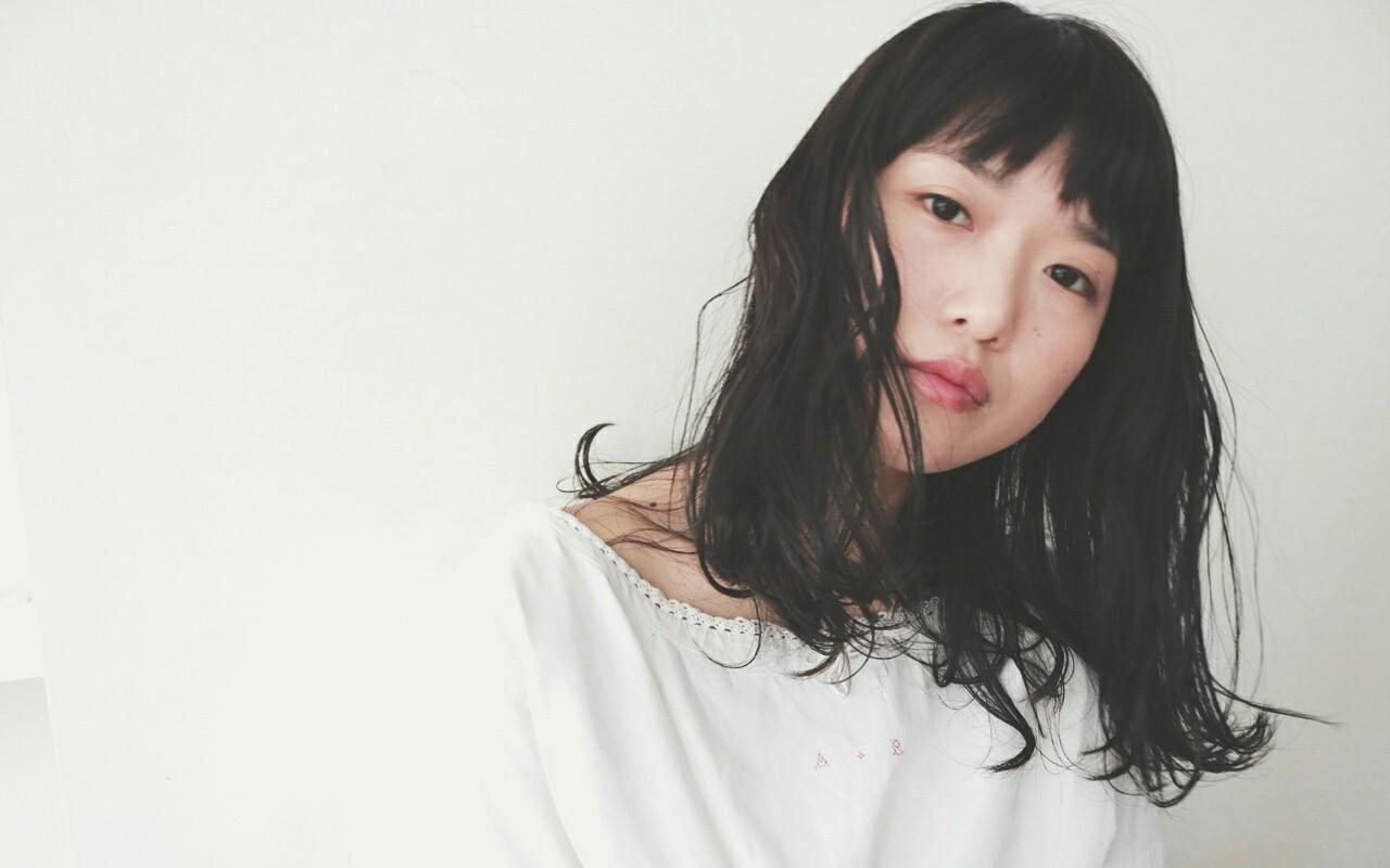 小顔 黒髪 パーマ こなれ感 ヘアスタイルや髪型の写真・画像 | 丸山悟 / DEARL