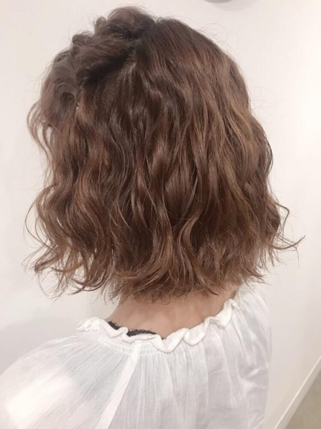 リラックス ヘアアレンジ ナチュラル 簡単ヘアアレンジ ヘアスタイルや髪型の写真・画像 | たかぎあやの /