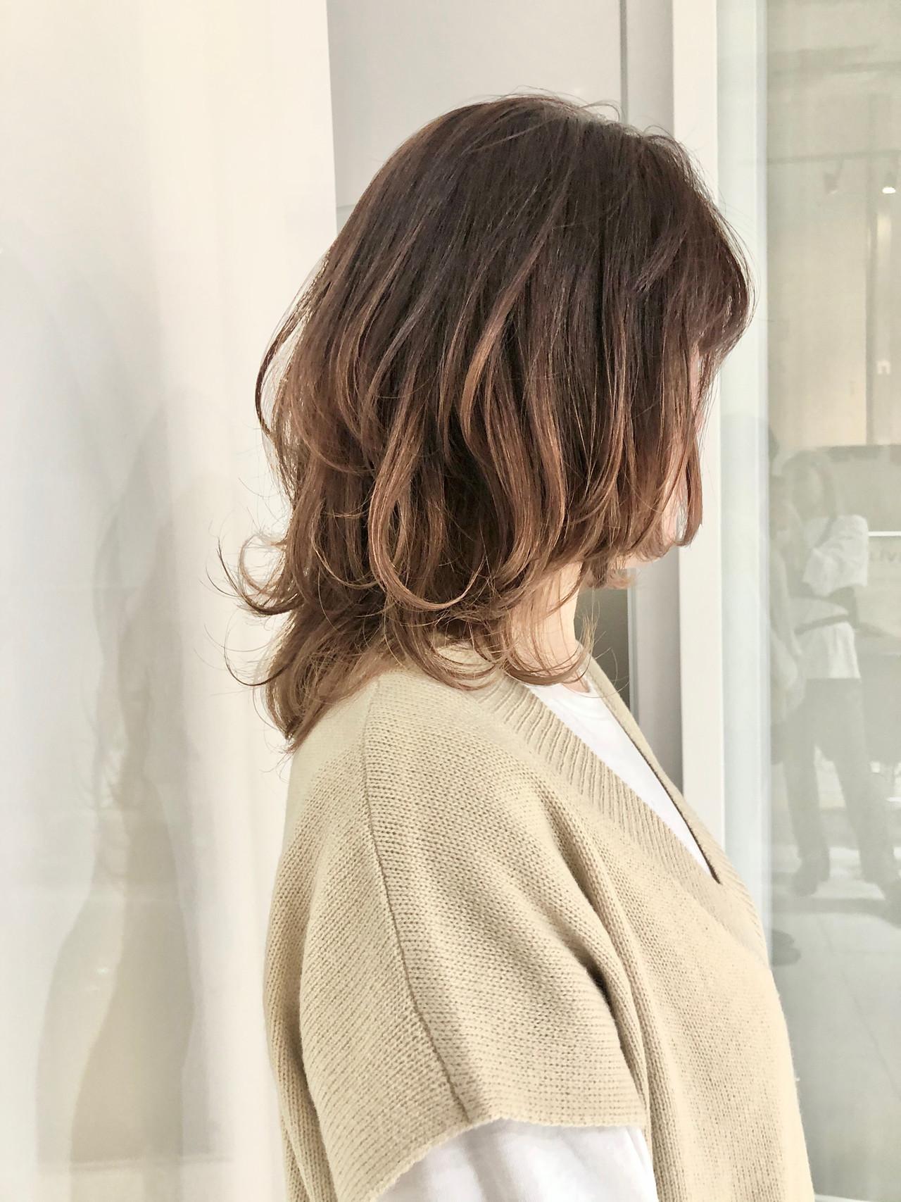 グラデーション グラデーションカラー ハイトーン ウルフカット ヘアスタイルや髪型の写真・画像