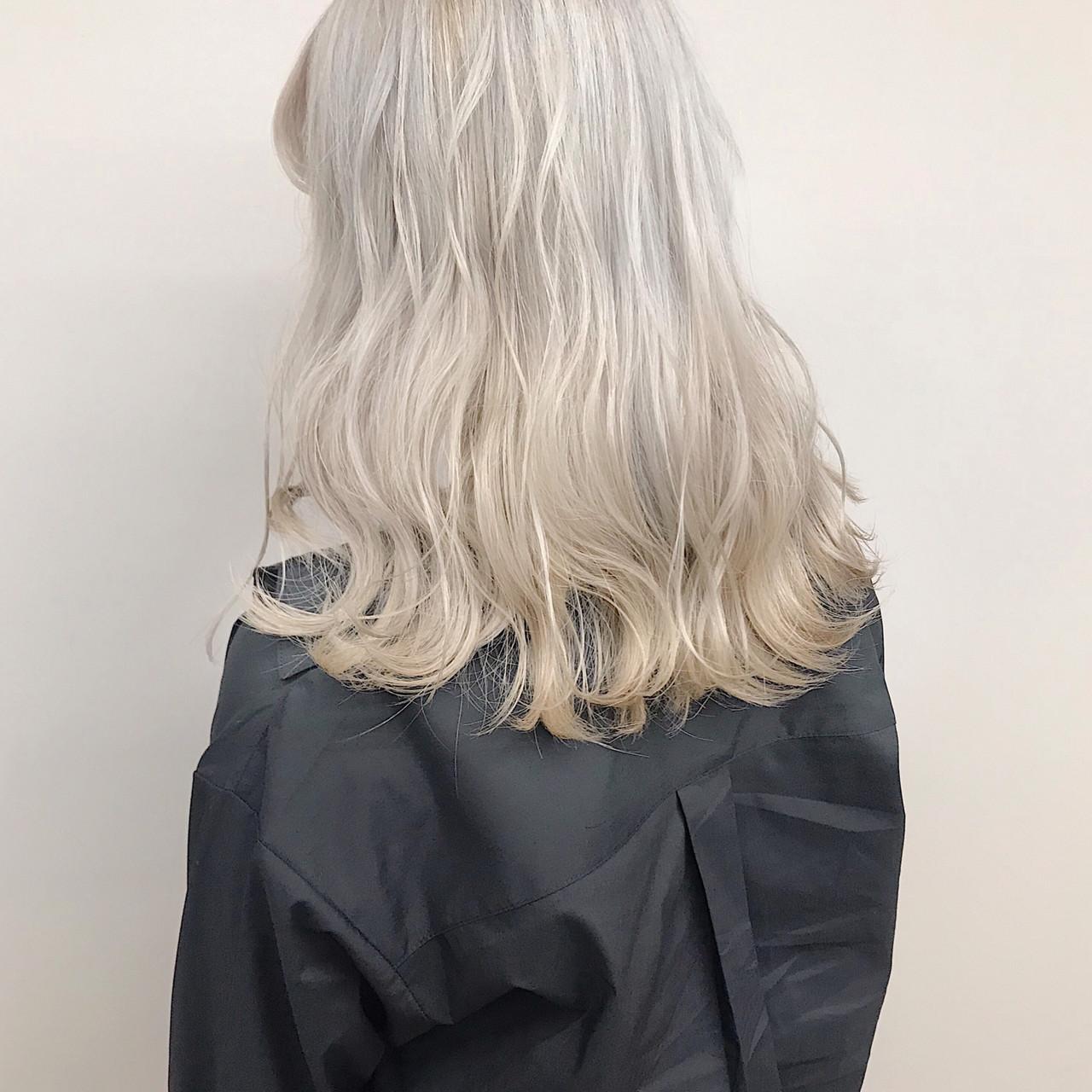 ホワイトカラー ストリート ハイトーンカラー ダブルカラー ヘアスタイルや髪型の写真・画像