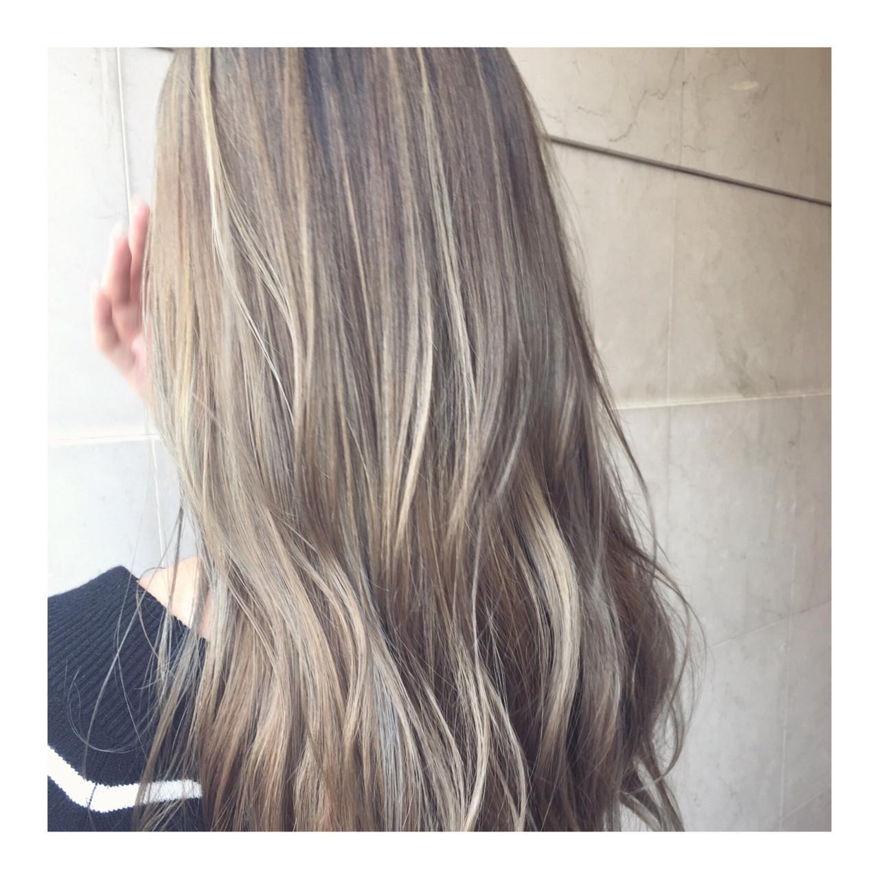 グレージュ ナチュラル ハイトーン 外国人風 ヘアスタイルや髪型の写真・画像 | 西嶋えり子 / HAIR'S Lunetta