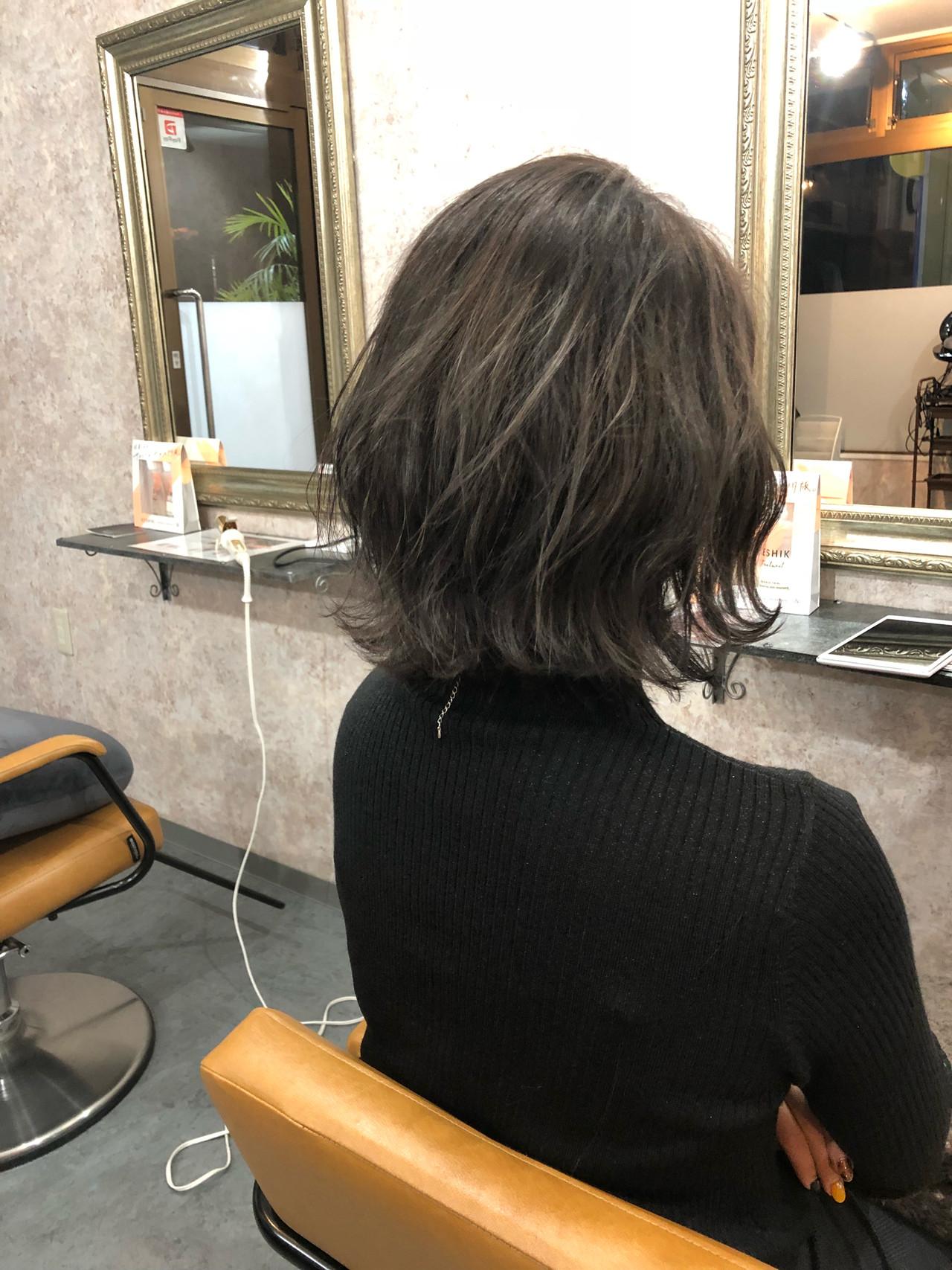 波ウェーブ フェミニン ブリーチカラー ボブ ヘアスタイルや髪型の写真・画像