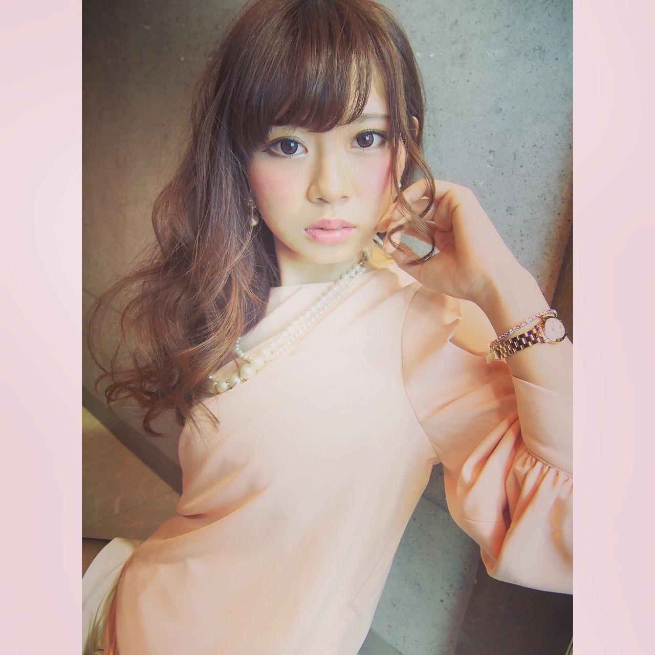 パーマ ゆるふわ ヘアアレンジ ピュア ヘアスタイルや髪型の写真・画像