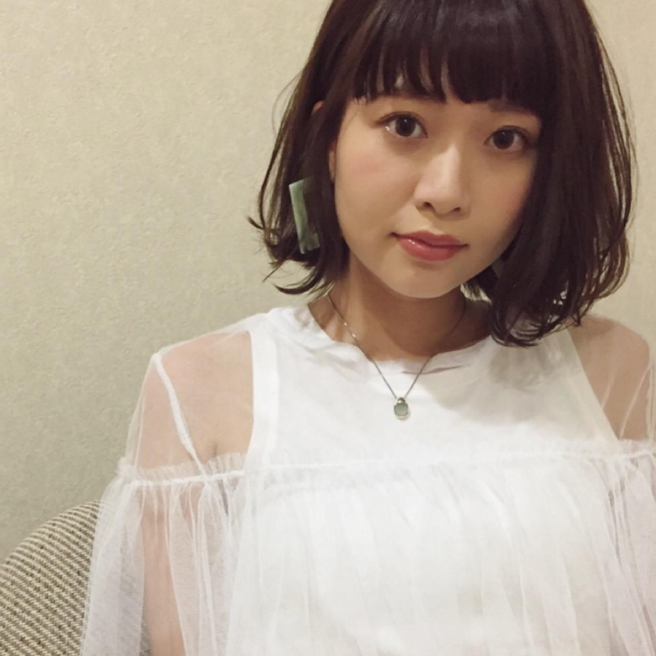 前髪あり ガーリー ボブ 雨の日 ヘアスタイルや髪型の写真・画像 | 小走 祥菜 / tricca daikanyama
