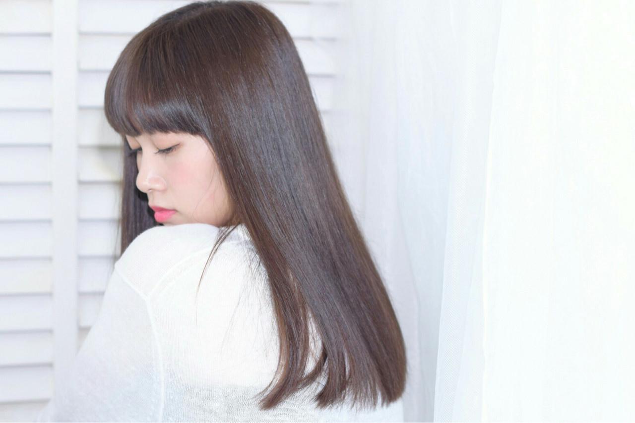 ナチュラル 艶髪 ストレート サラサラ ヘアスタイルや髪型の写真・画像