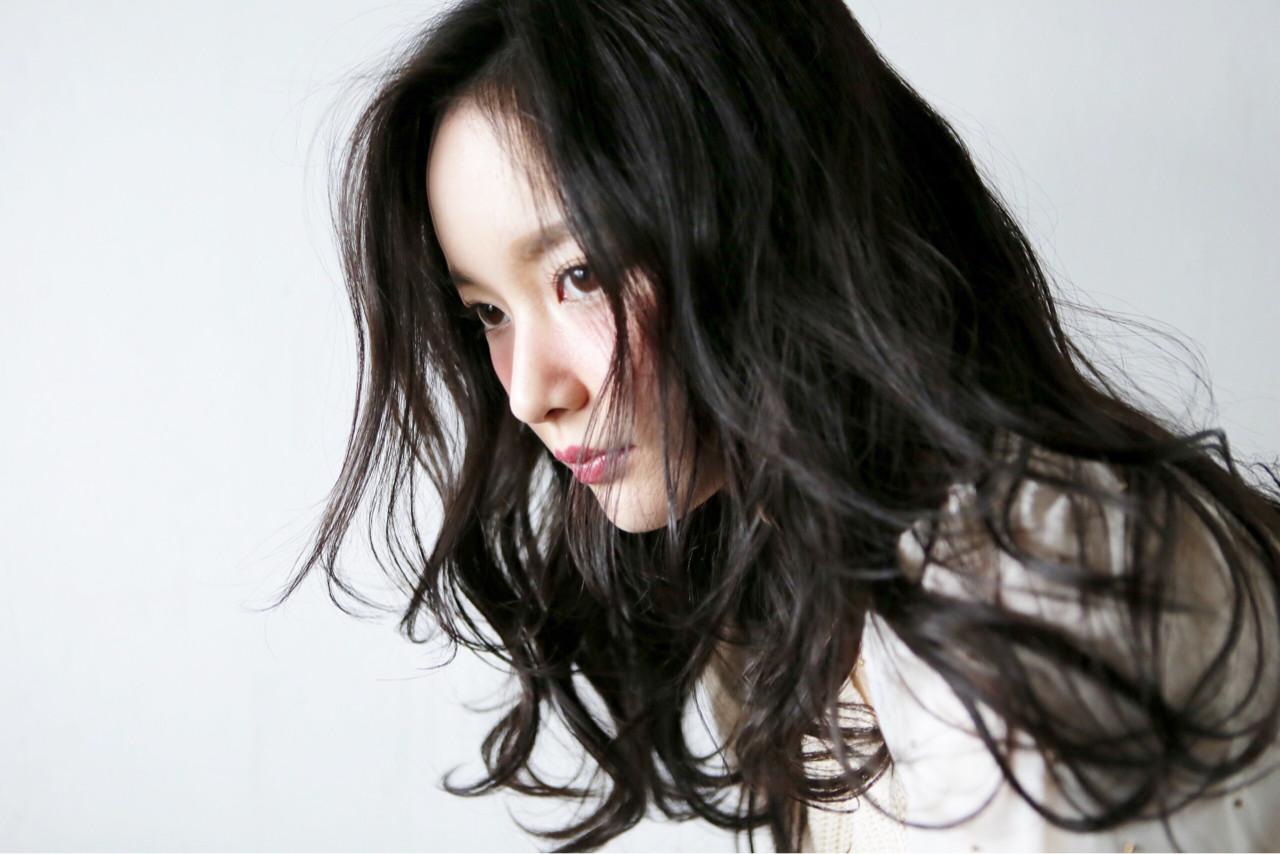 ロング ナチュラル 外国人風 フェミニン ヘアスタイルや髪型の写真・画像