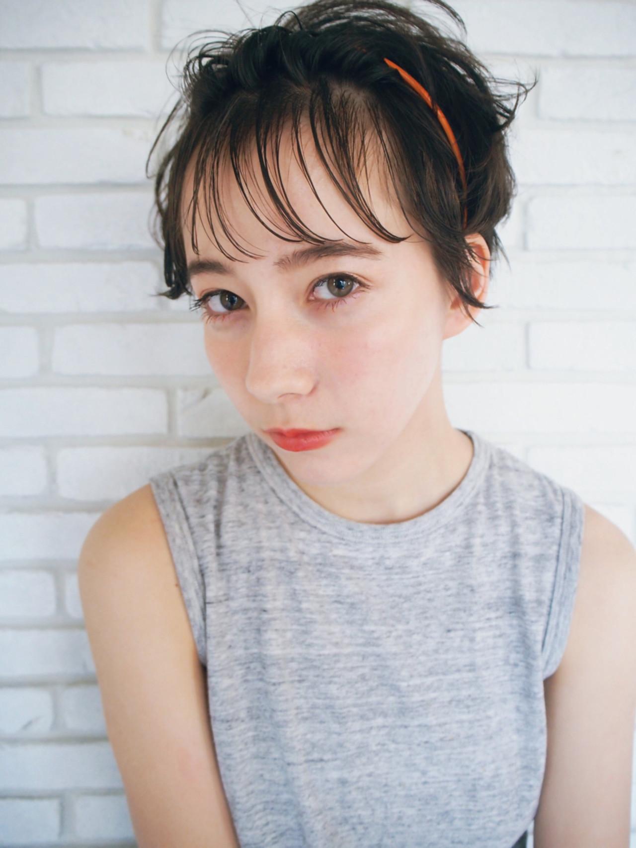ヘアアレンジ 耳かけ 前髪あり ガーリー ヘアスタイルや髪型の写真・画像 | 一色 さおり / LOAVE AOYAMA(ローブ アオヤマ)
