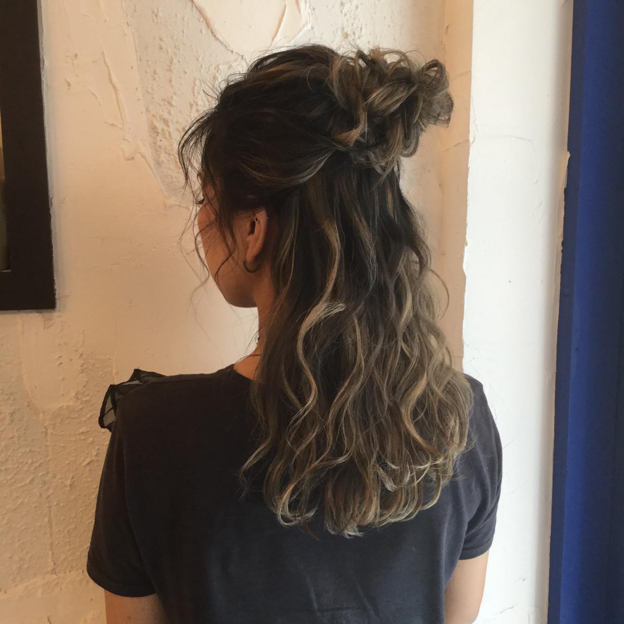 ストリート ルーズ セミロング ハーフアップ ヘアスタイルや髪型の写真・画像