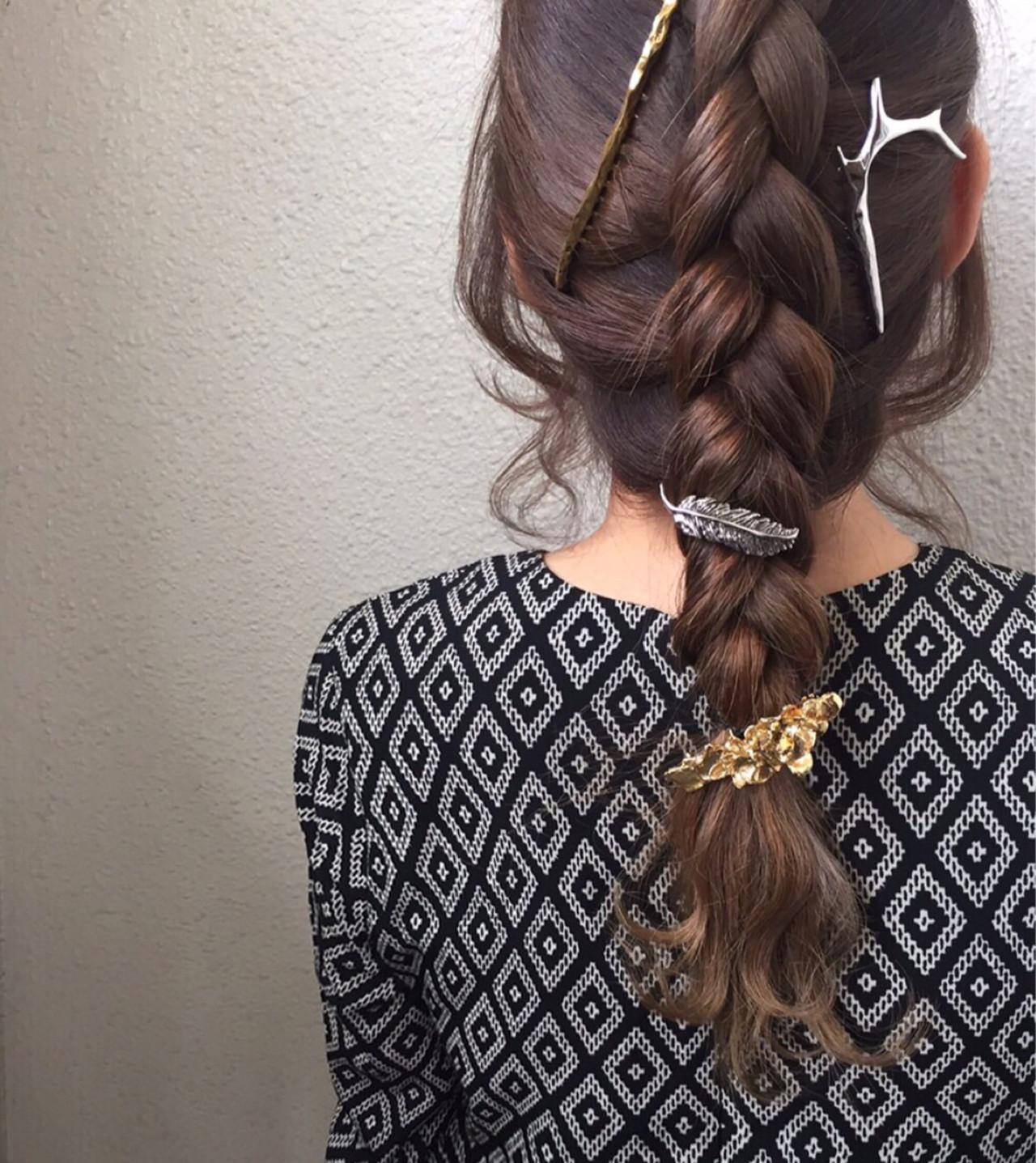 けっこうしっかりと裏編みして毛先だけ巻いてます。