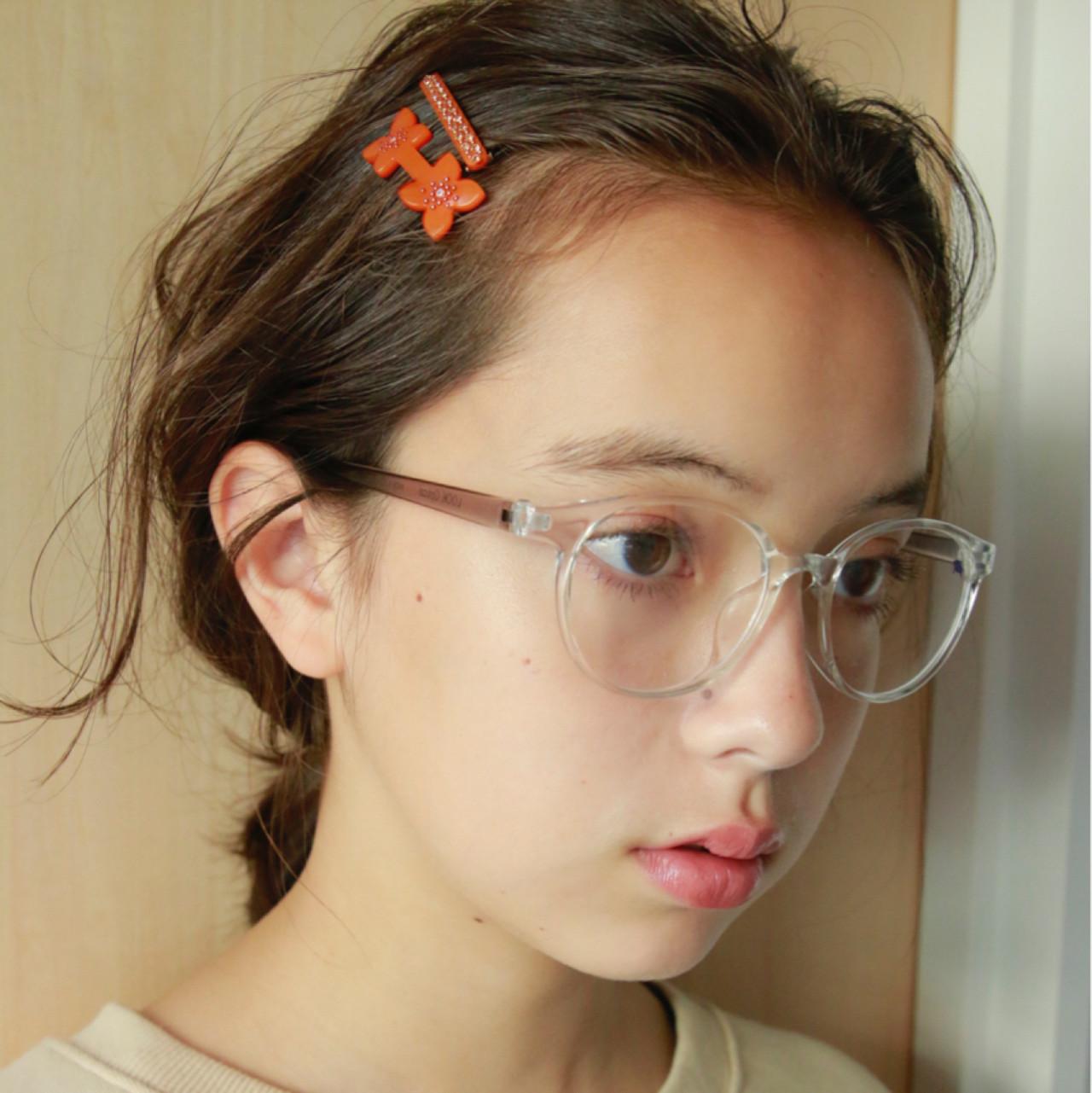 簡単ヘアアレンジ ヘアアレンジ パーマ ミディアム ヘアスタイルや髪型の写真・画像