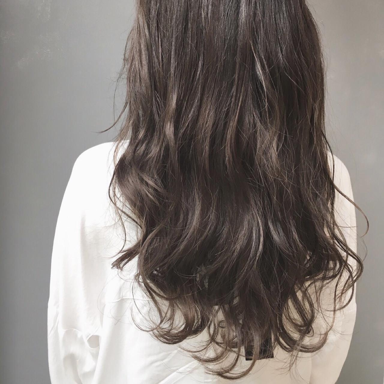 外国人風 ナチュラル ゆるふわ 暗髪 ヘアスタイルや髪型の写真・画像 | 松尾 知晃 / MASHU北堀江