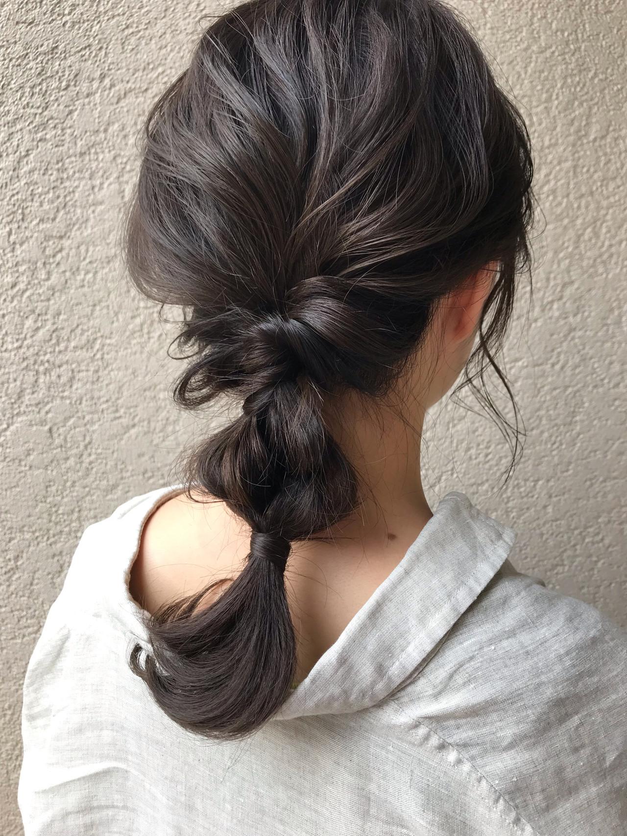 簡単ヘアアレンジ セミロング ナチュラル アウトドア ヘアスタイルや髪型の写真・画像   富永暁子 / SUMMER