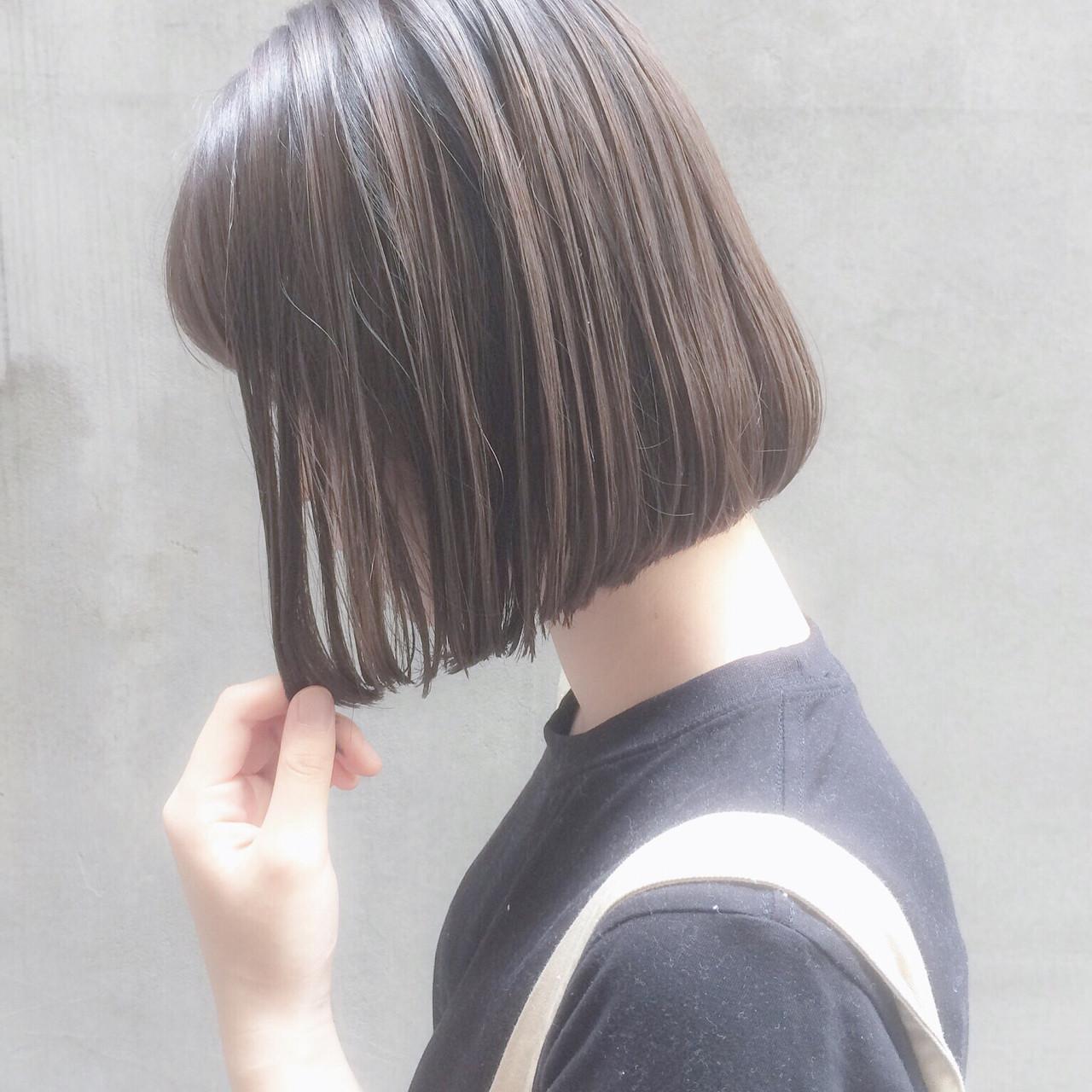 ショートボブ 大人かわいい ナチュラル オフィス ヘアスタイルや髪型の写真・画像