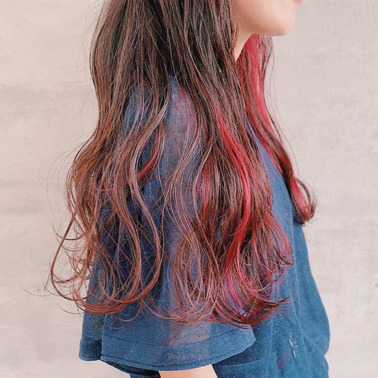 赤髪 ロング ポイントカラー アクセサリーカラー ヘアスタイルや髪型の写真・画像
