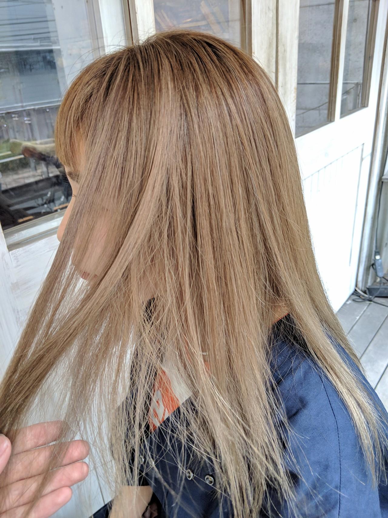 ハイトーン セミロング ベージュ ストリート ヘアスタイルや髪型の写真・画像 | HIFUMI / möwen