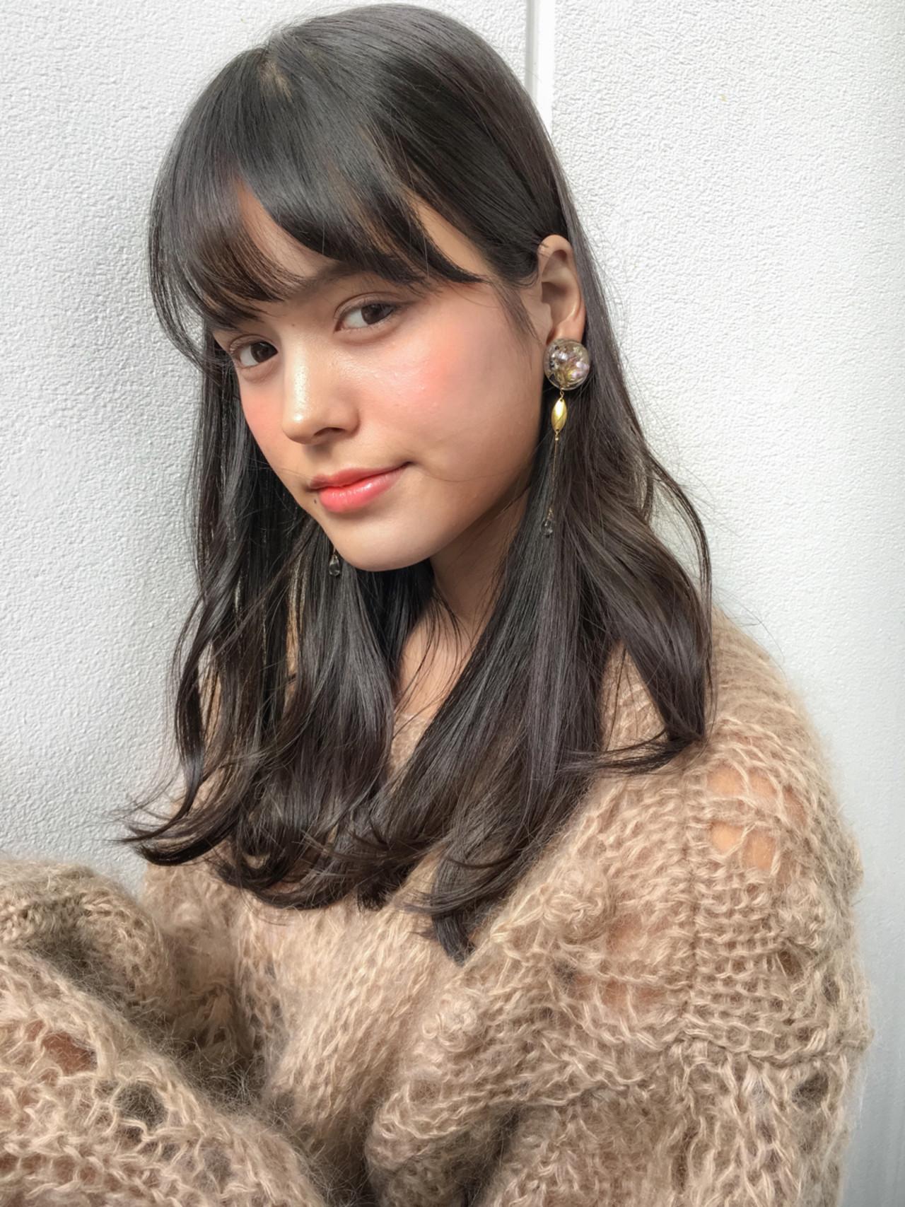 男ウケ抜群のモテヘアは「黒髪×セミロング」♡アレンジ力ありの女髪カタログ Grow by GARDEN 細田