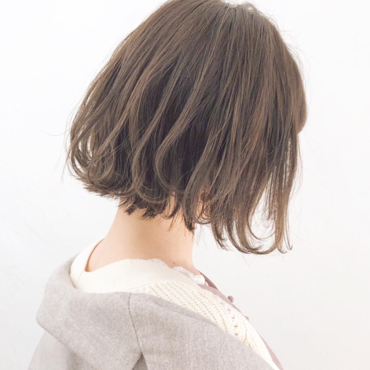 オフィス アンニュイほつれヘア 簡単ヘアアレンジ パーマ ヘアスタイルや髪型の写真・画像 | 『ボブ美容師』永田邦彦 表参道 / send by HAIR