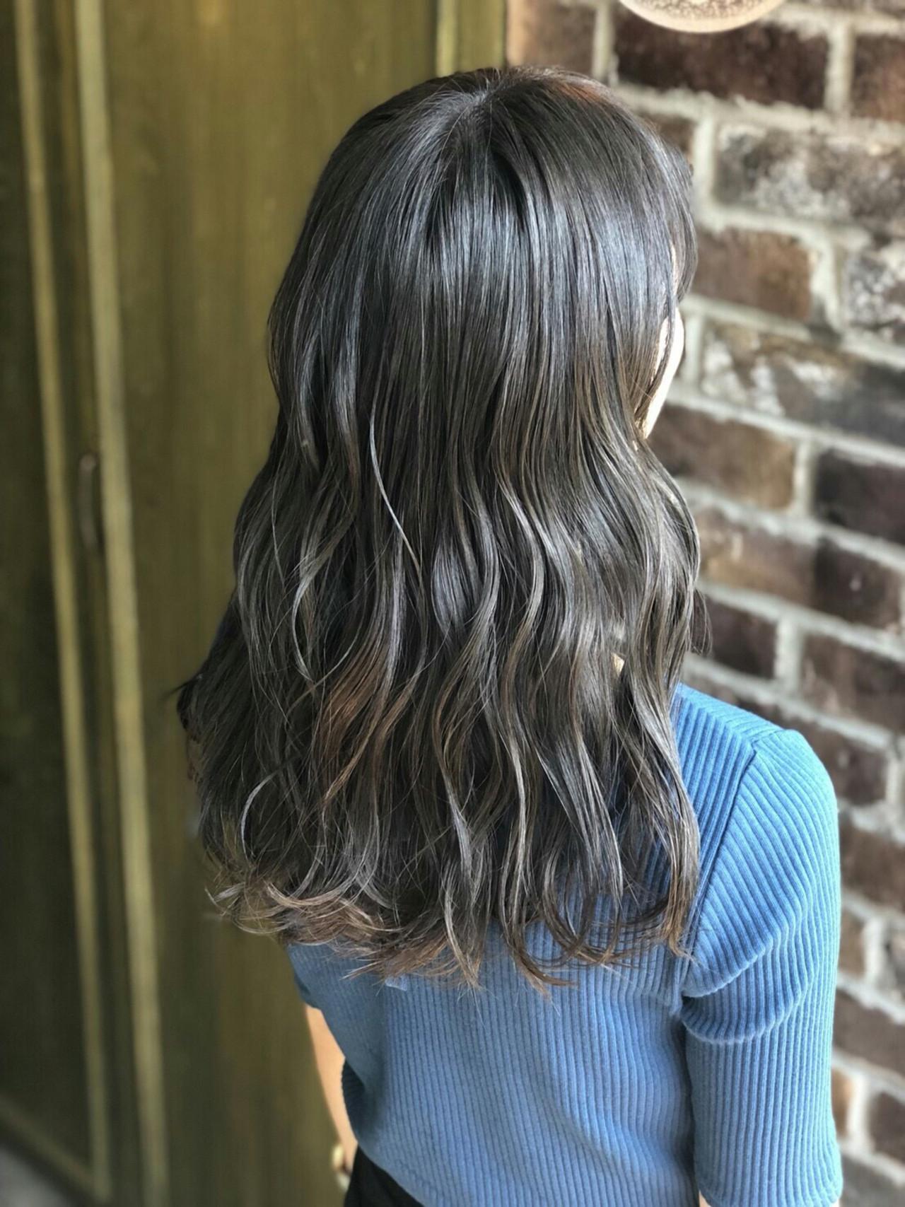 アッシュグレー セミロング 外国人風カラー グレージュ ヘアスタイルや髪型の写真・画像 | 小山雄 / Aimee 町田
