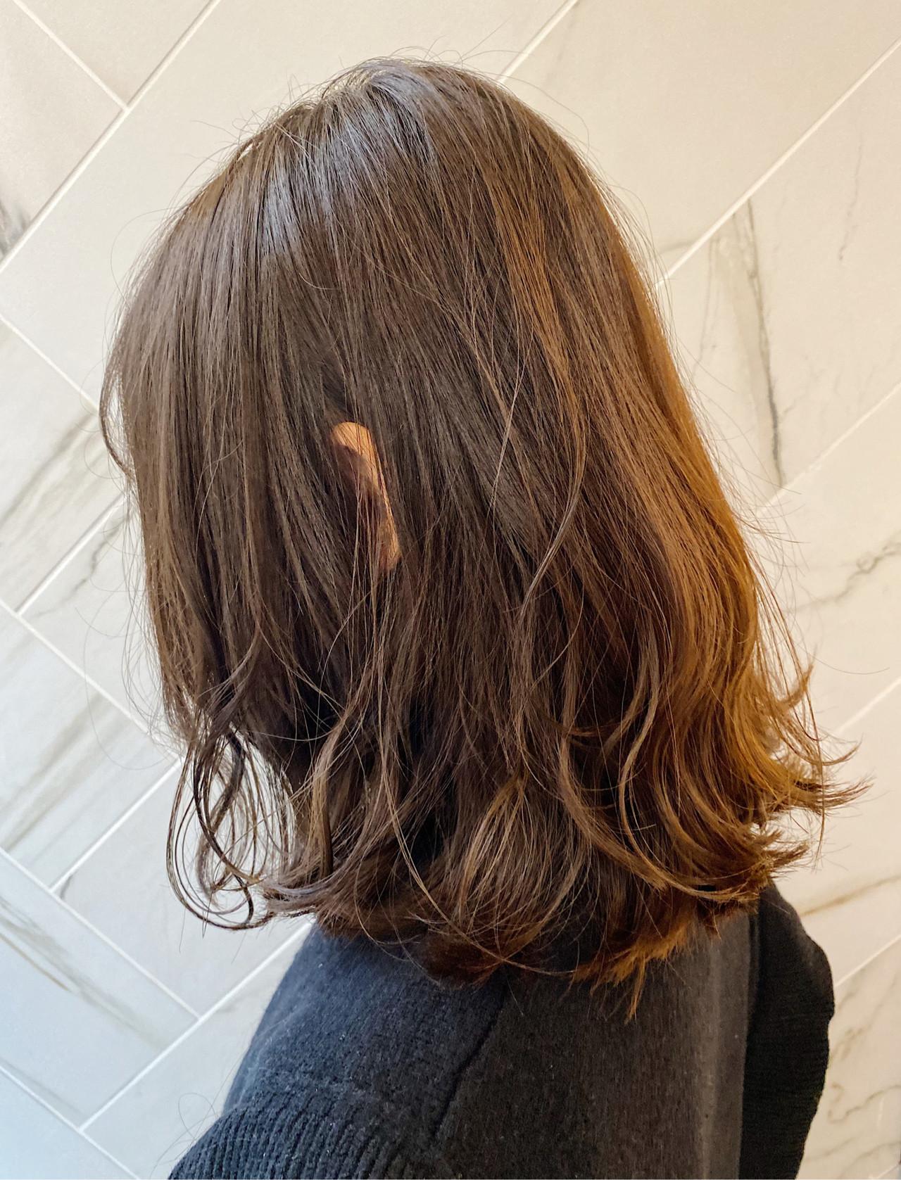 20代 イルミナカラー アンニュイ ボブ ヘアスタイルや髪型の写真・画像 | 髪質改善、モテ髪カットのプロ!Zina出口耕太郎 / Zina CENTRAL