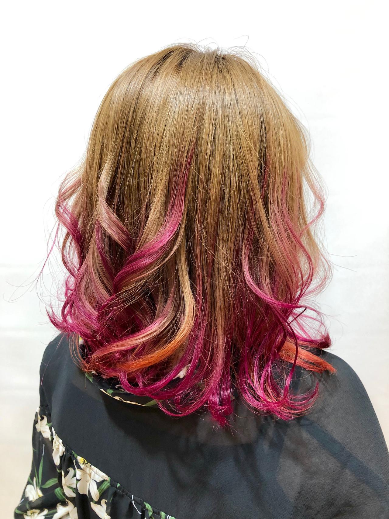 ピンク ミディアムレイヤー ミディアム ベージュ ヘアスタイルや髪型の写真・画像 | 出塩 浩之 / MORIO FROM LONDON さいたま新都心