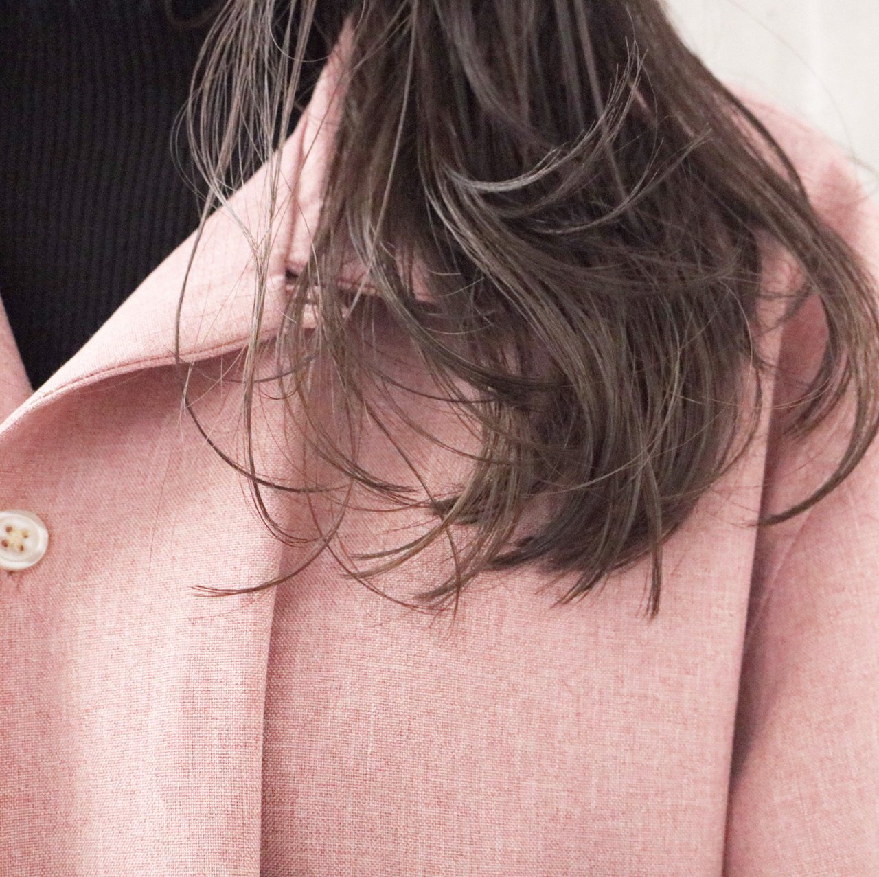 アンニュイほつれヘア 透明感カラー ヌーディベージュ ナチュラル ヘアスタイルや髪型の写真・画像