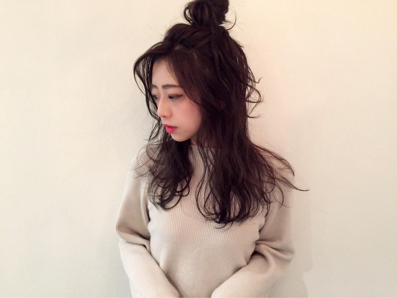 お団子 セルフヘアアレンジ ナチュラル セミロング ヘアスタイルや髪型の写真・画像
