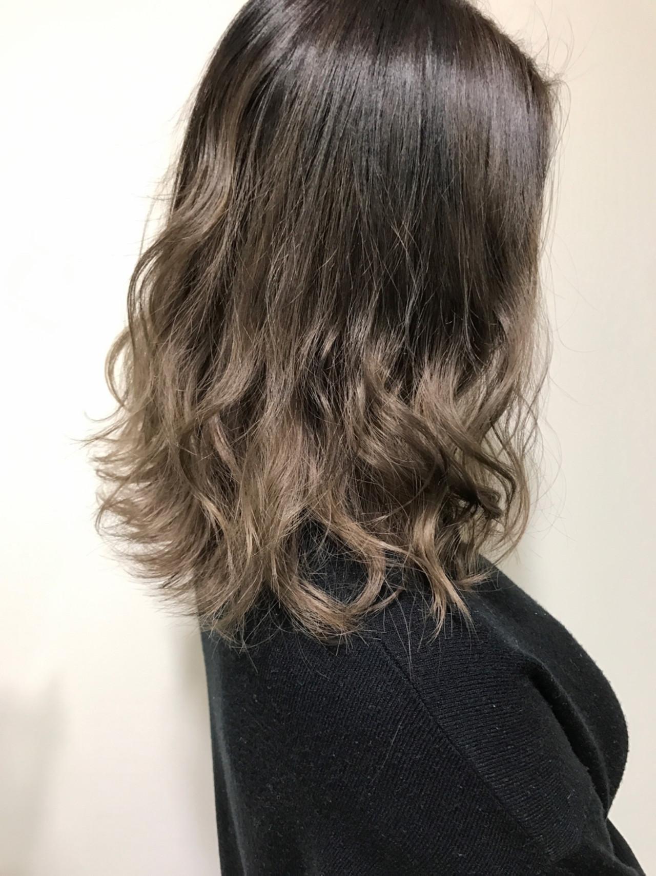 ボブ ガーリー ミディアム グラデーションカラー ヘアスタイルや髪型の写真・画像