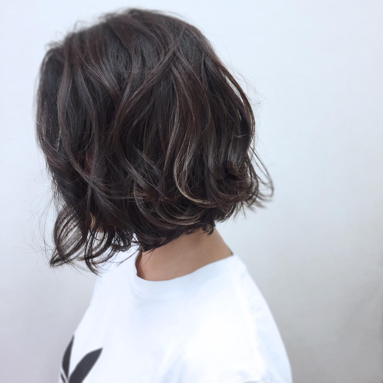 ウェーブ モード 暗髪 ウェットヘア ヘアスタイルや髪型の写真・画像