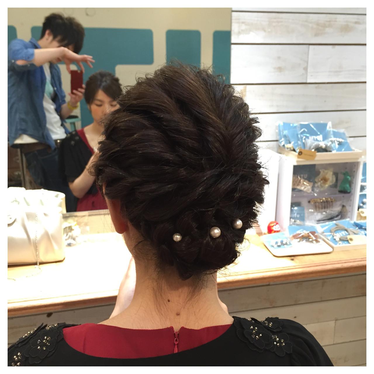 ボブ ねじり 結婚式 編み込み ヘアスタイルや髪型の写真・画像