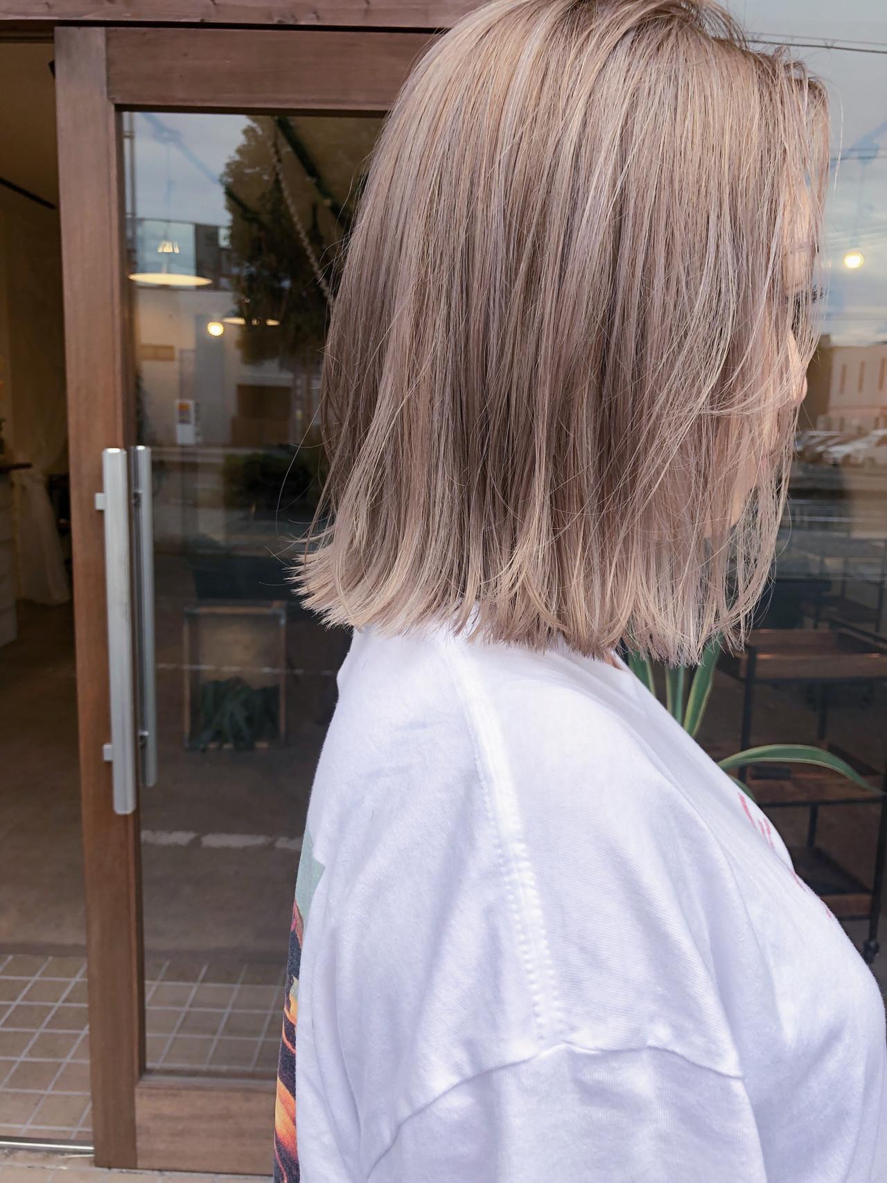 ボブ ハイトーンカラー 大人かわいい ストリート ヘアスタイルや髪型の写真・画像