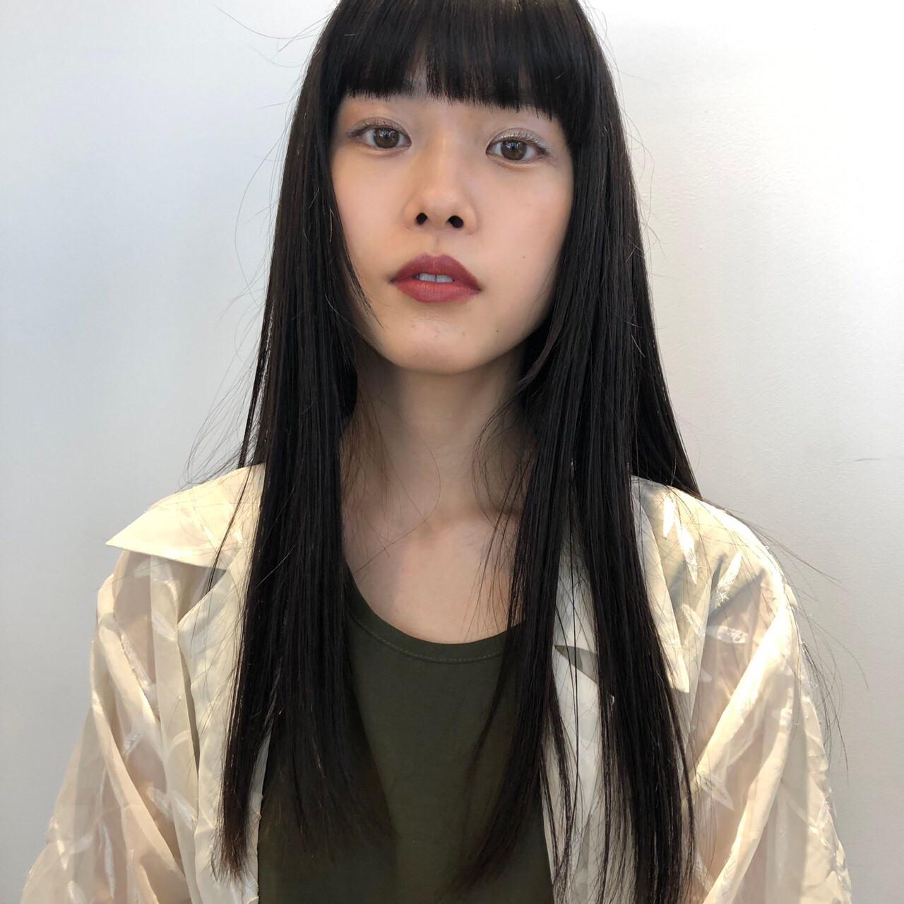 ストレート 重めバング ロング うる艶カラー ヘアスタイルや髪型の写真・画像 | 東田佳祐 / BEAUTRIUM GINZA