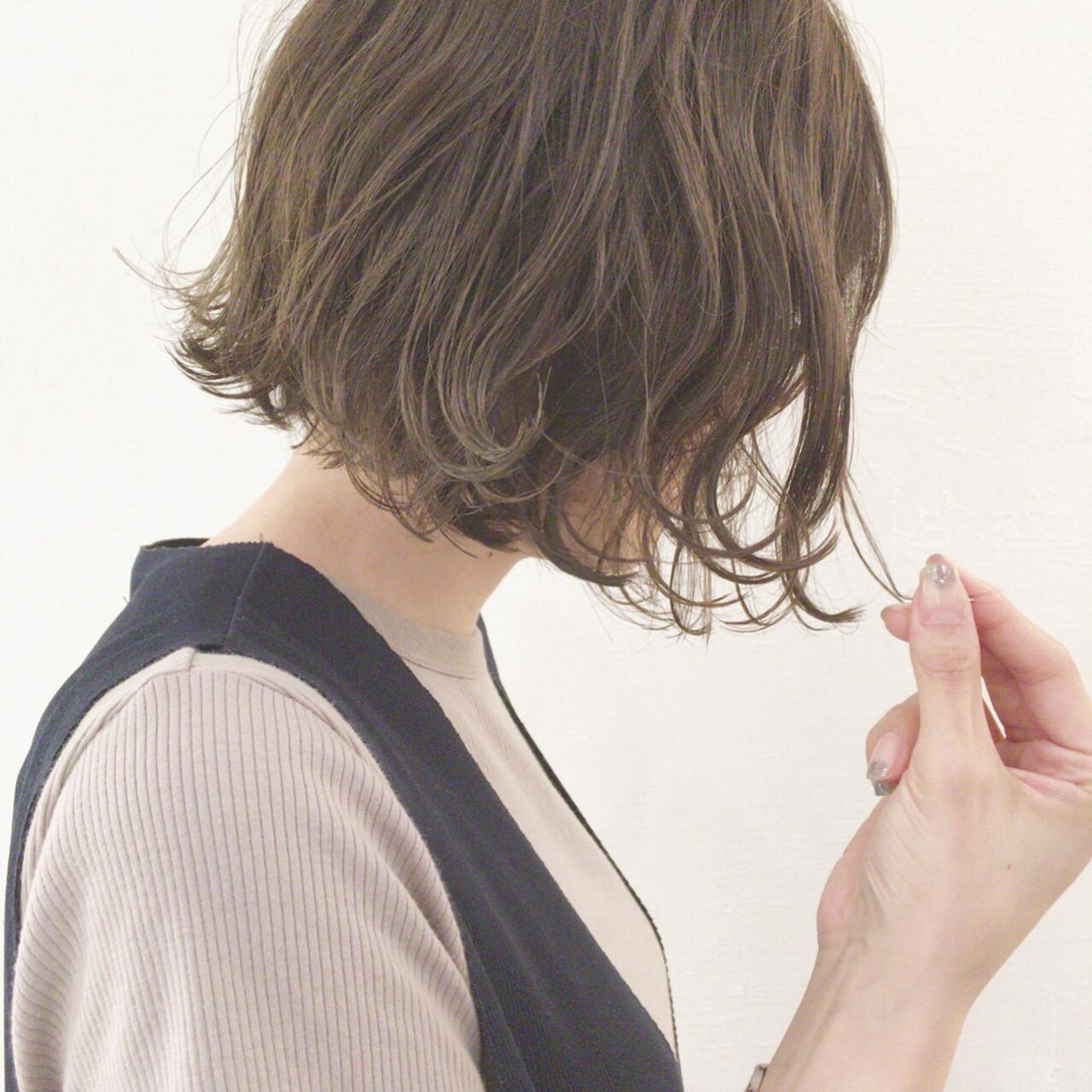 秋 オフィス ナチュラル 切りっぱなし ヘアスタイルや髪型の写真・画像