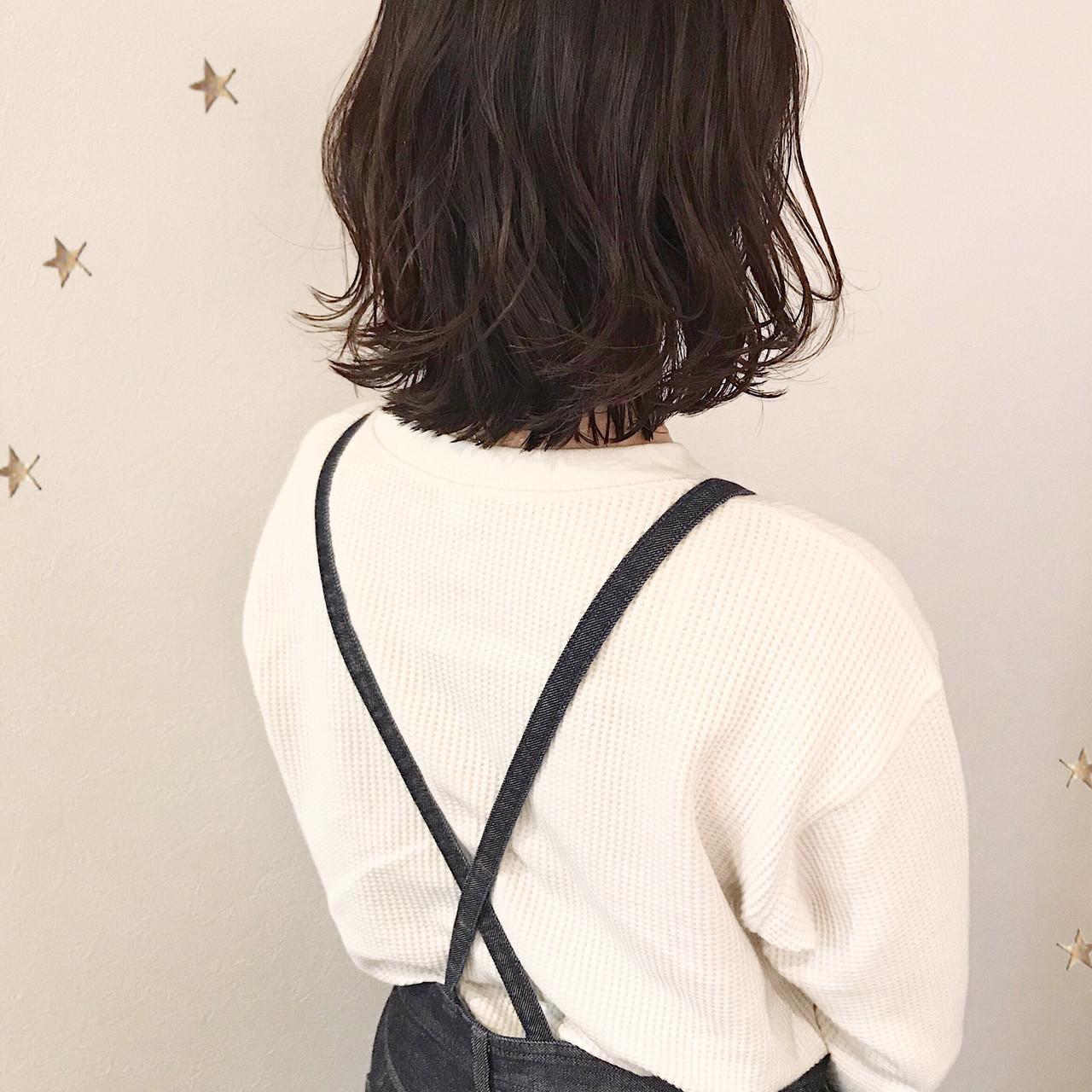 切りっぱなしボブ ミディアム 伸ばしかけ アンニュイほつれヘア ヘアスタイルや髪型の写真・画像 | 市川千夏*札幌 / salon AKIRA