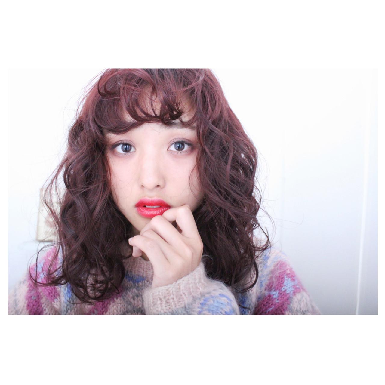 セミロング ナチュラル ゆるふわ 前髪あり ヘアスタイルや髪型の写真・画像