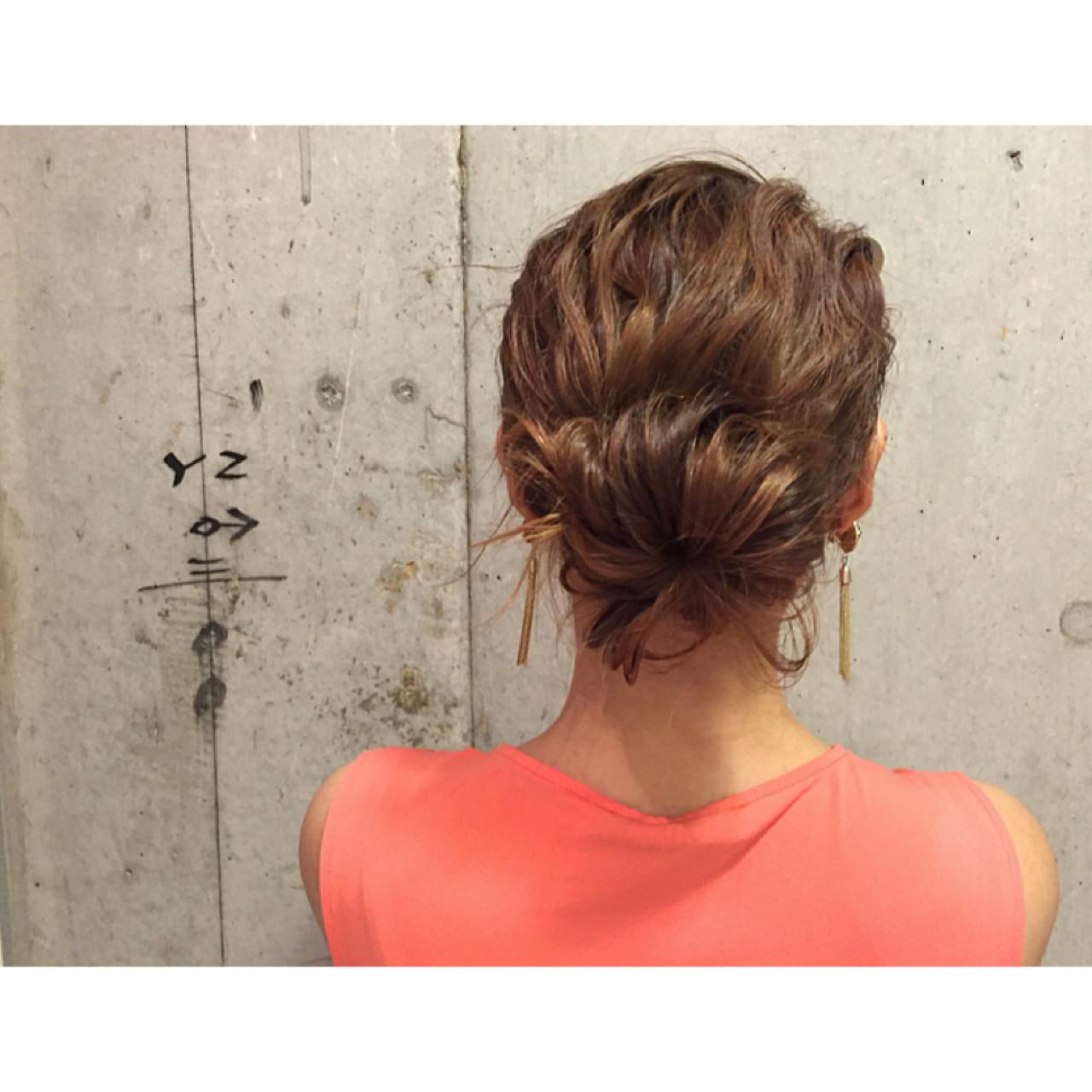 ショート 外国人風 ヘアアレンジ ナチュラル ヘアスタイルや髪型の写真・画像 | 安達 優生 / U-REALM(ユーレルム)