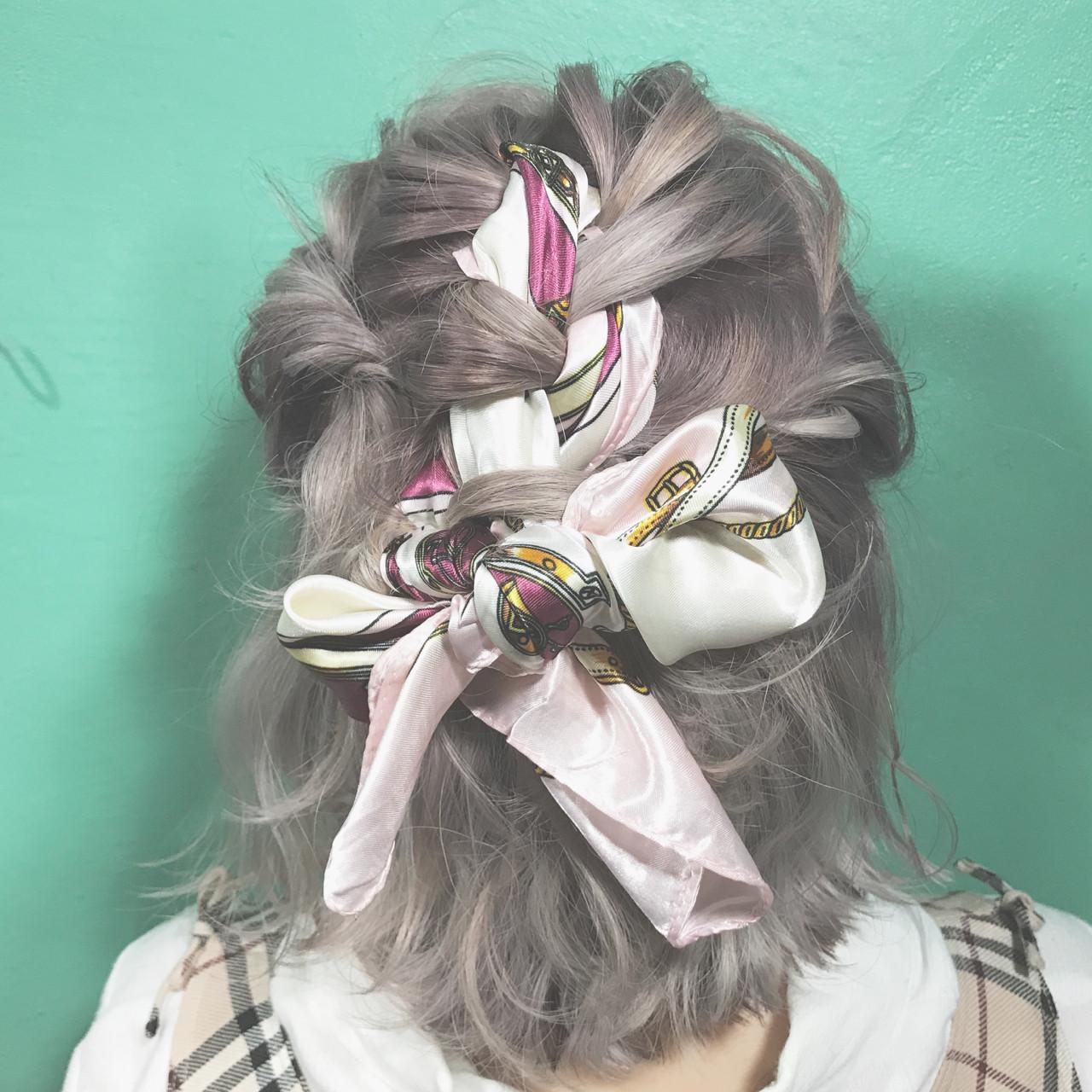 ブリーチ ハイトーン 簡単ヘアアレンジ ガーリー ヘアスタイルや髪型の写真・画像
