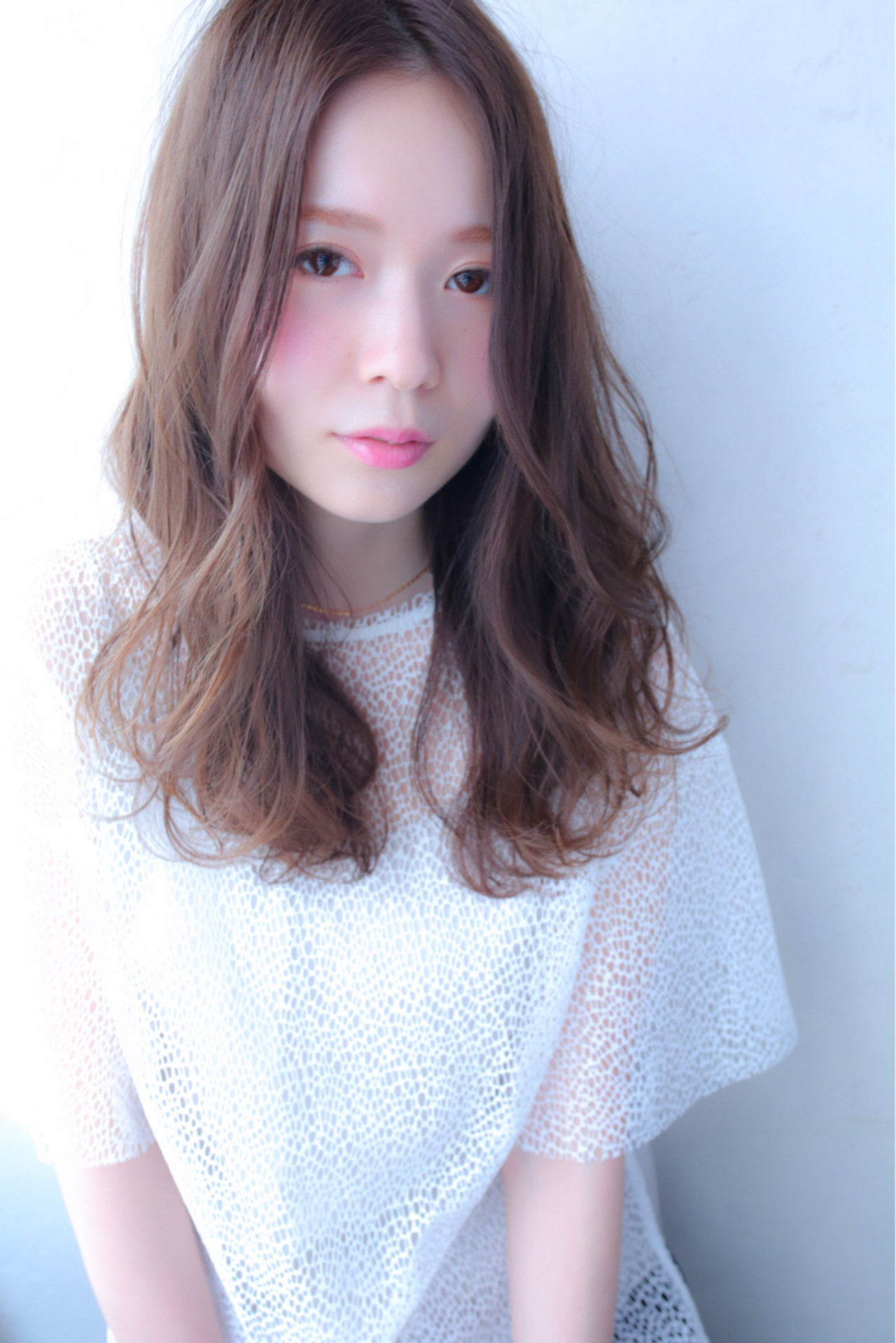 デート ミルクティー 前髪あり 大人女子 ヘアスタイルや髪型の写真・画像