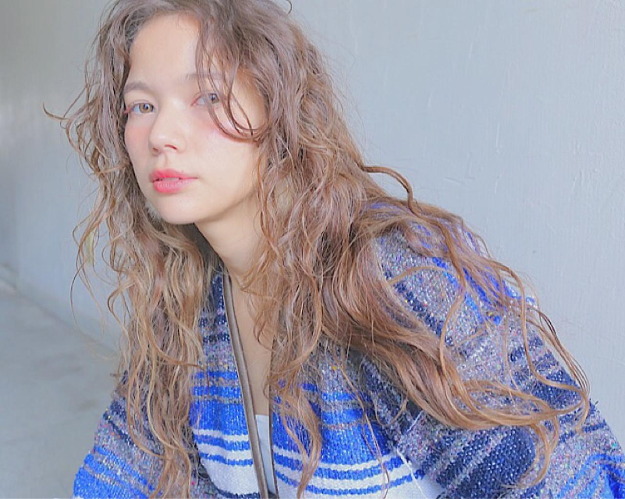 大人かわいい ナチュラル ロング 外国人風 ヘアスタイルや髪型の写真・画像