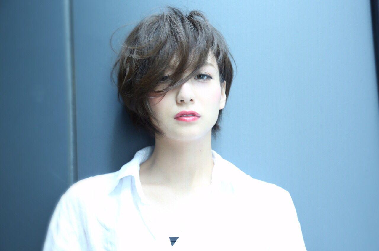 卵型 黒髪 ナチュラル ショート ヘアスタイルや髪型の写真・画像