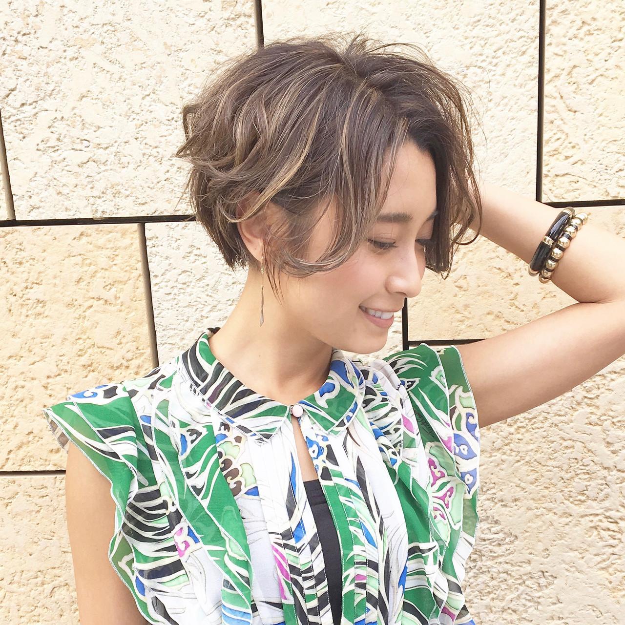 ボブ 前下がりボブ パーマ ボブ ヘアスタイルや髪型の写真・画像 | 上山 誠樹 / kakimoto arms 武蔵小杉店