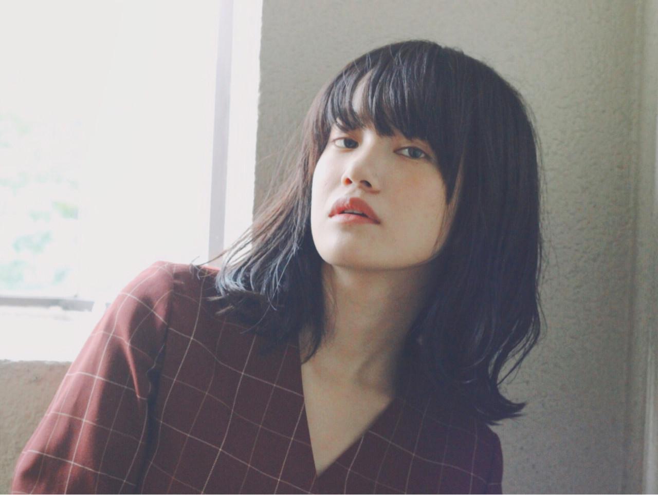 黒髪 くせ毛風 ナチュラル 暗髪 ヘアスタイルや髪型の写真・画像   冨永 真太郎 / 人トナリ