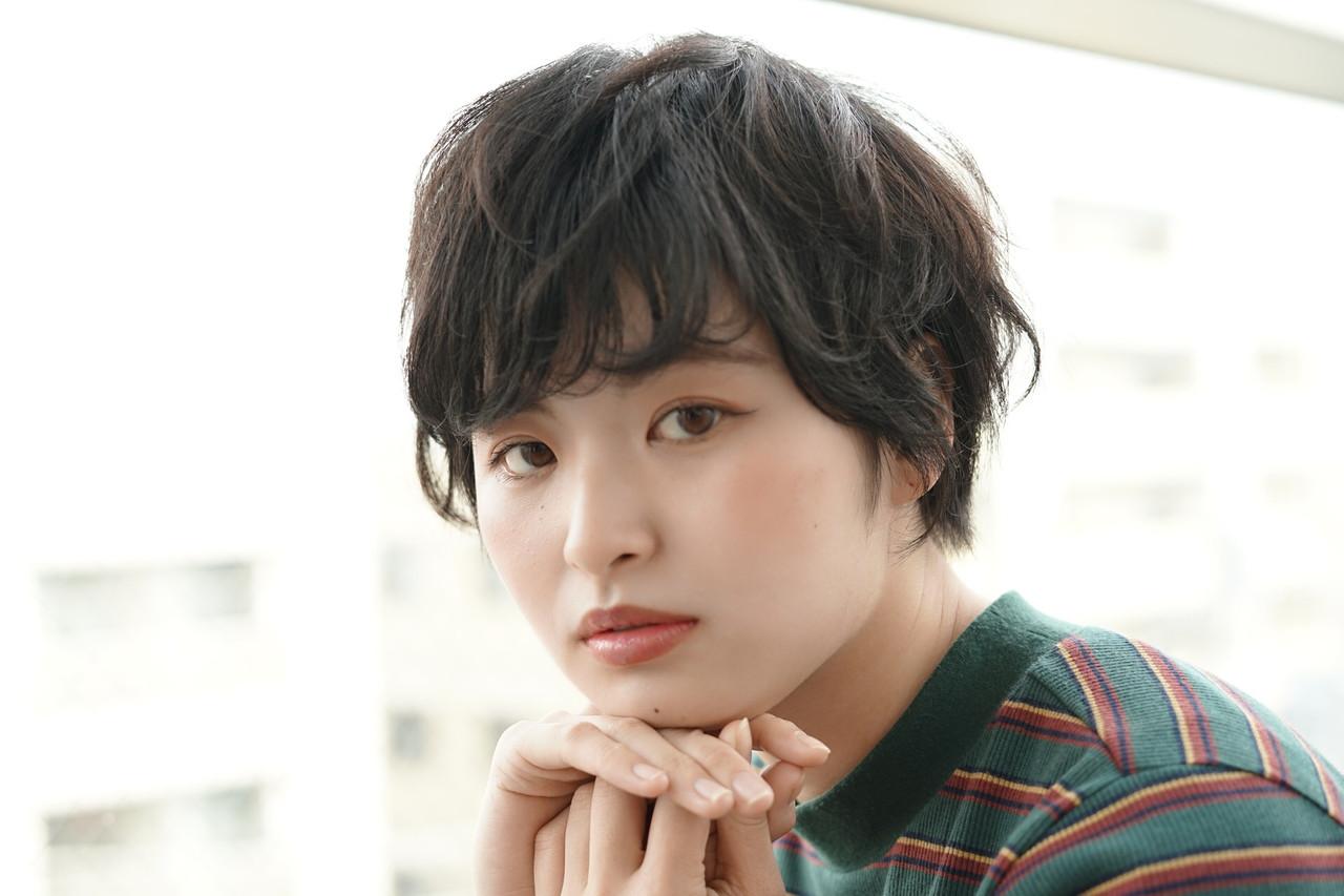 地毛風カラー ショート 暗髪 アッシュ ヘアスタイルや髪型の写真・画像 | Reina /