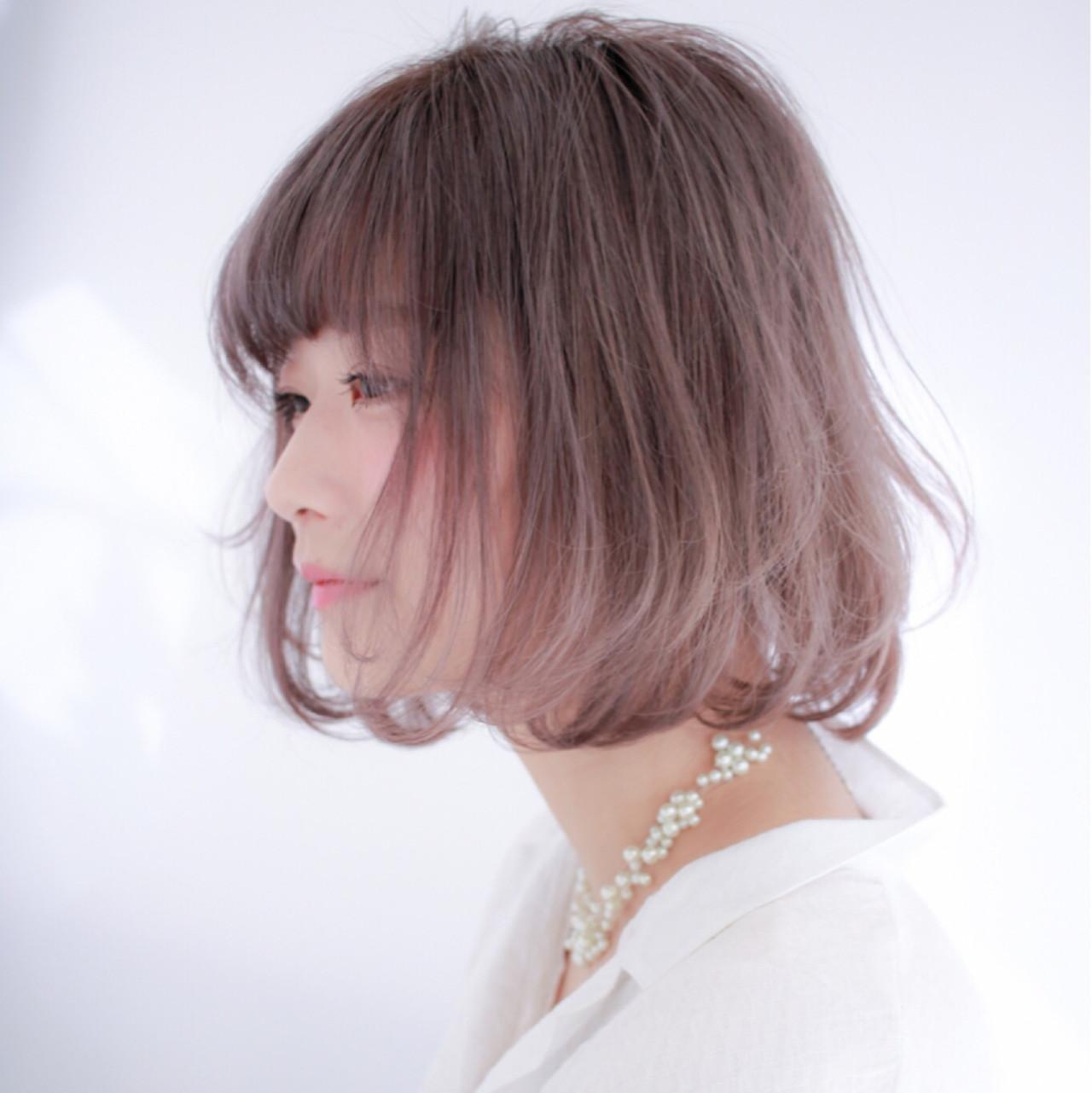 ハイトーン デート フェミニン ボブ ヘアスタイルや髪型の写真・画像