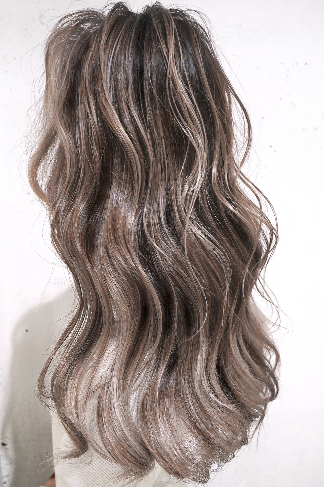 ロング グレージュ ハイライト 外国人風カラー ヘアスタイルや髪型の写真・画像