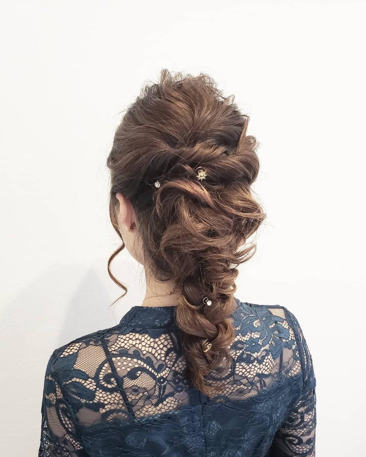 簡単ヘアアレンジ ヘアアレンジ 結婚式ヘアアレンジ セミロング ヘアスタイルや髪型の写真・画像   浅原 有輝 / rough