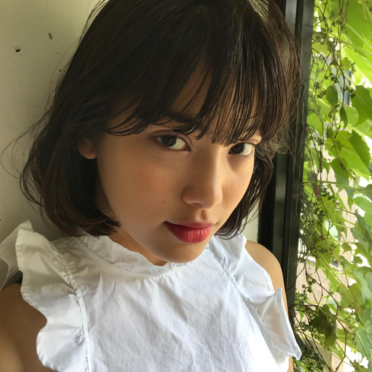 フェミニン リラックス デート ボブ ヘアスタイルや髪型の写真・画像 | 小西敬二郎 / Heartim