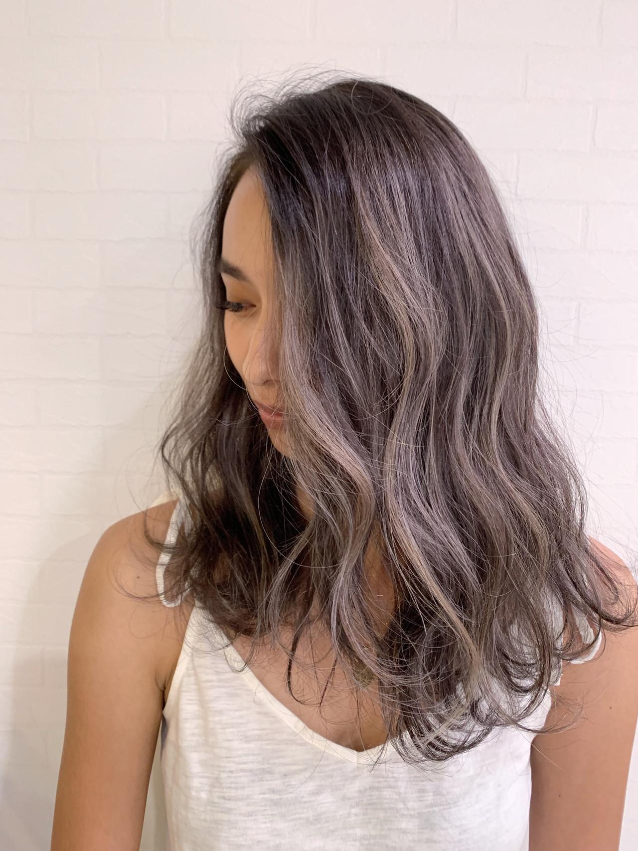 ヘアアレンジ ナチュラル 成人式 ハイライト ヘアスタイルや髪型の写真・画像