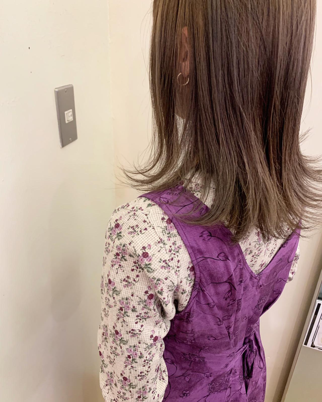 切りっぱなしボブ ミディアム ナチュラル デート ヘアスタイルや髪型の写真・画像