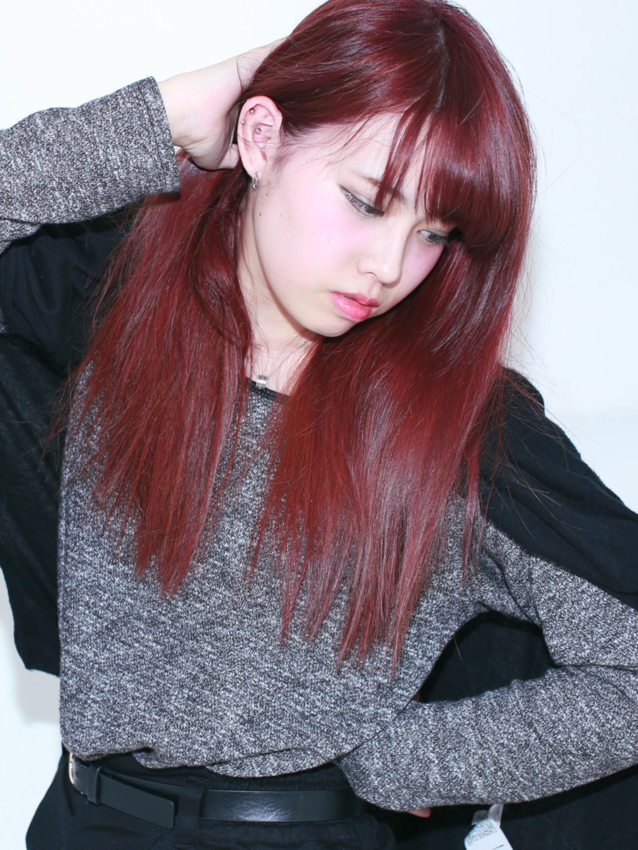 ナチュラル ピンク レッド 外国人風 ヘアスタイルや髪型の写真・画像