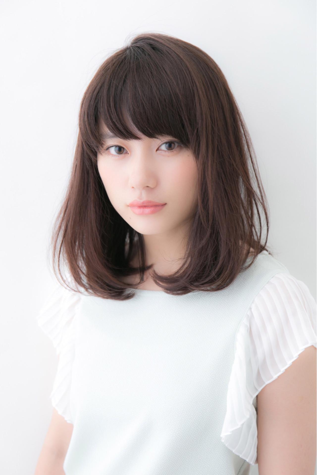 ミディアム 外ハネ こなれ感 デート ヘアスタイルや髪型の写真・画像   松下哲史 / Ramie omotesando